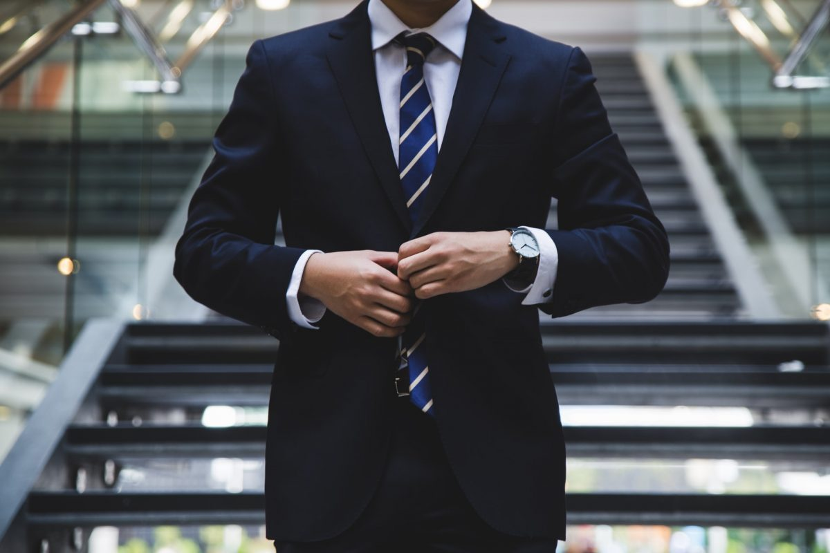Businessmen and CEOs: how to dress accordingly
